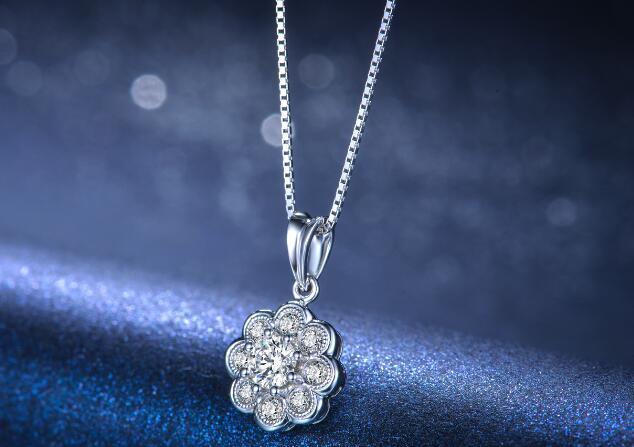 钻石首饰,钻石吊坠,钻石清洗